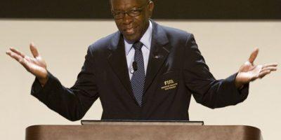 Jack Warner, uno de los señalados de corrupción en FIFA, se entrega a la justicia