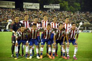 Paraguay consiguió un valioso punto contra Argentina Foto:AFP
