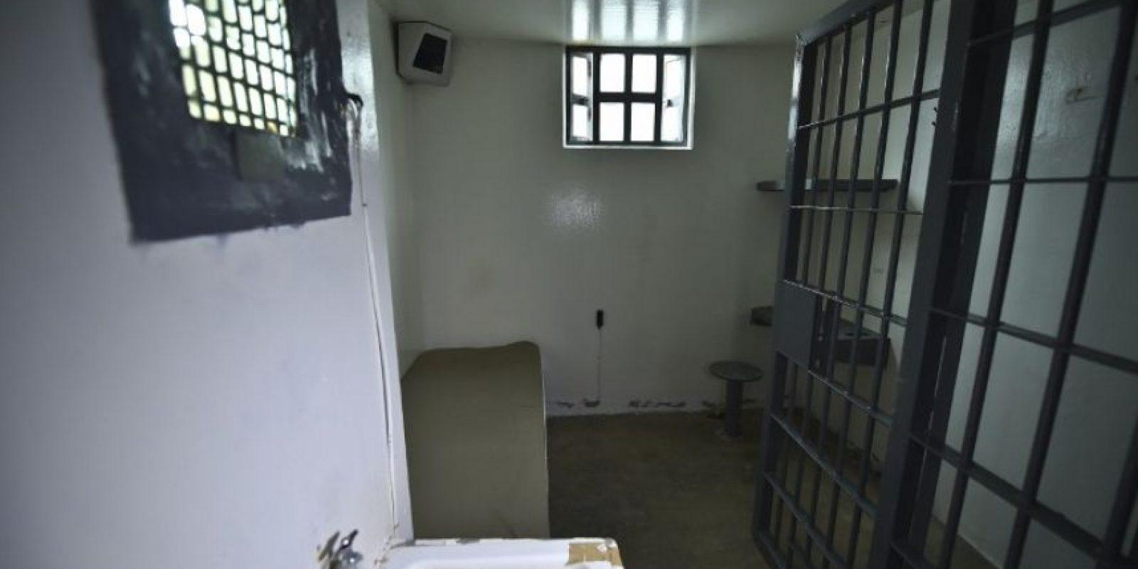 Esta es la vista de la celda desde la regadera, lugar donde escapó Foto:AFP