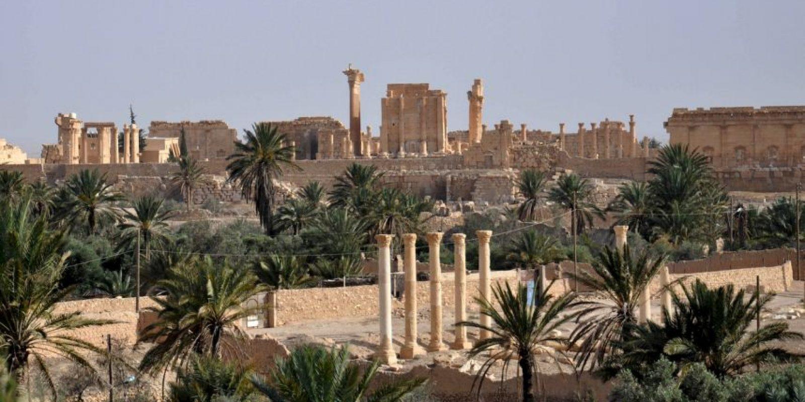 """También ha destruido restos arqueológicos en Hatra y de la bíblica Nínive, en Irak, según el periódico español """"El País"""". Foto:AFP"""