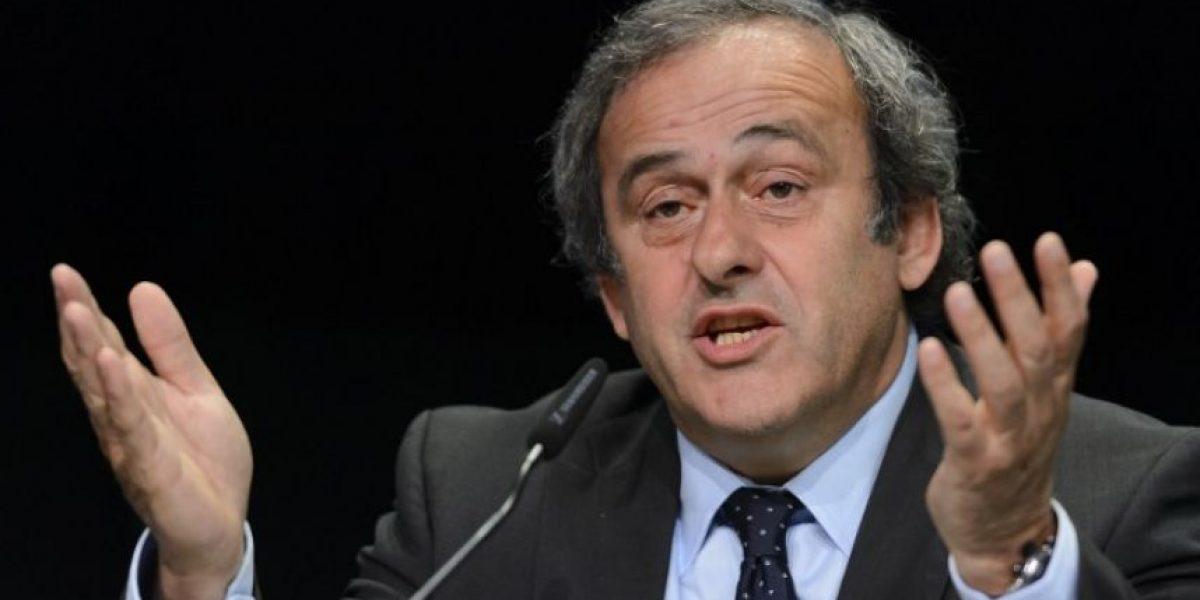 Presidente de la UEFA pide la renuncia de Blatter y asegura que apoyarán al príncipe jordano
