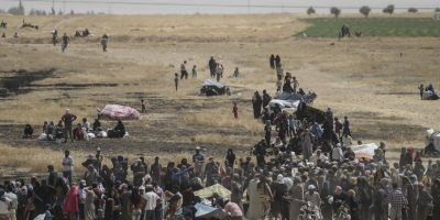 Durante la última semana, más de seis mil sirios huyeron de la violencia de Estado Islámico Foto:AFP