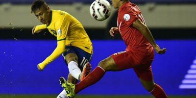 Brasil venció a los peruanos 2-1 Foto:AFP