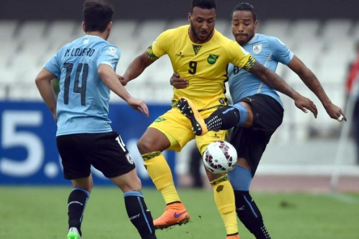 Los charrúas consiguieron sus primeros tres puntos con el triunfo sobre los jamaiquinos. Foto:AFP