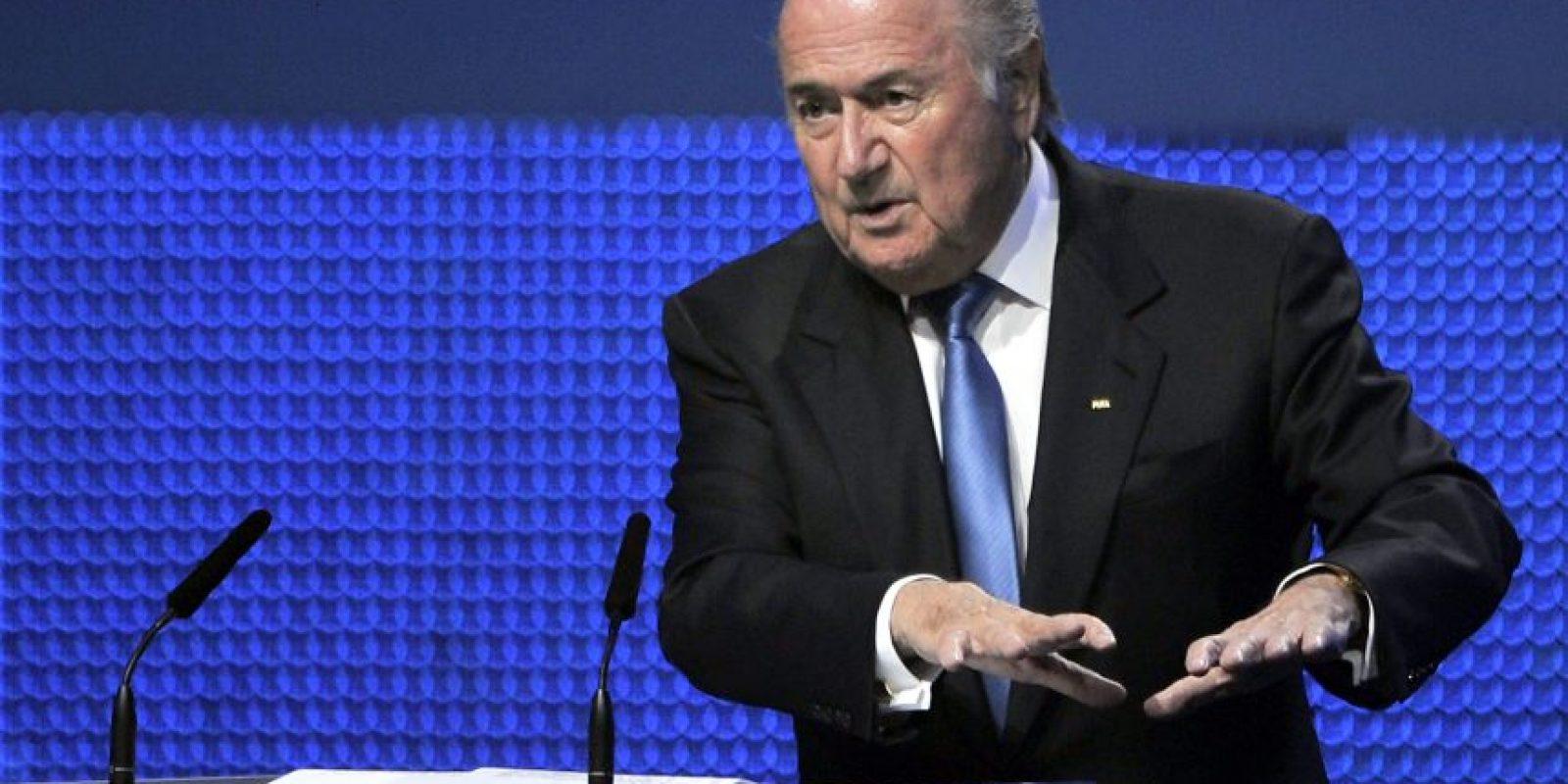 El presidente de la organización que promueve la lucha contra la corrupción dijo que Blatter debe de renunciar. Foto:Publinews