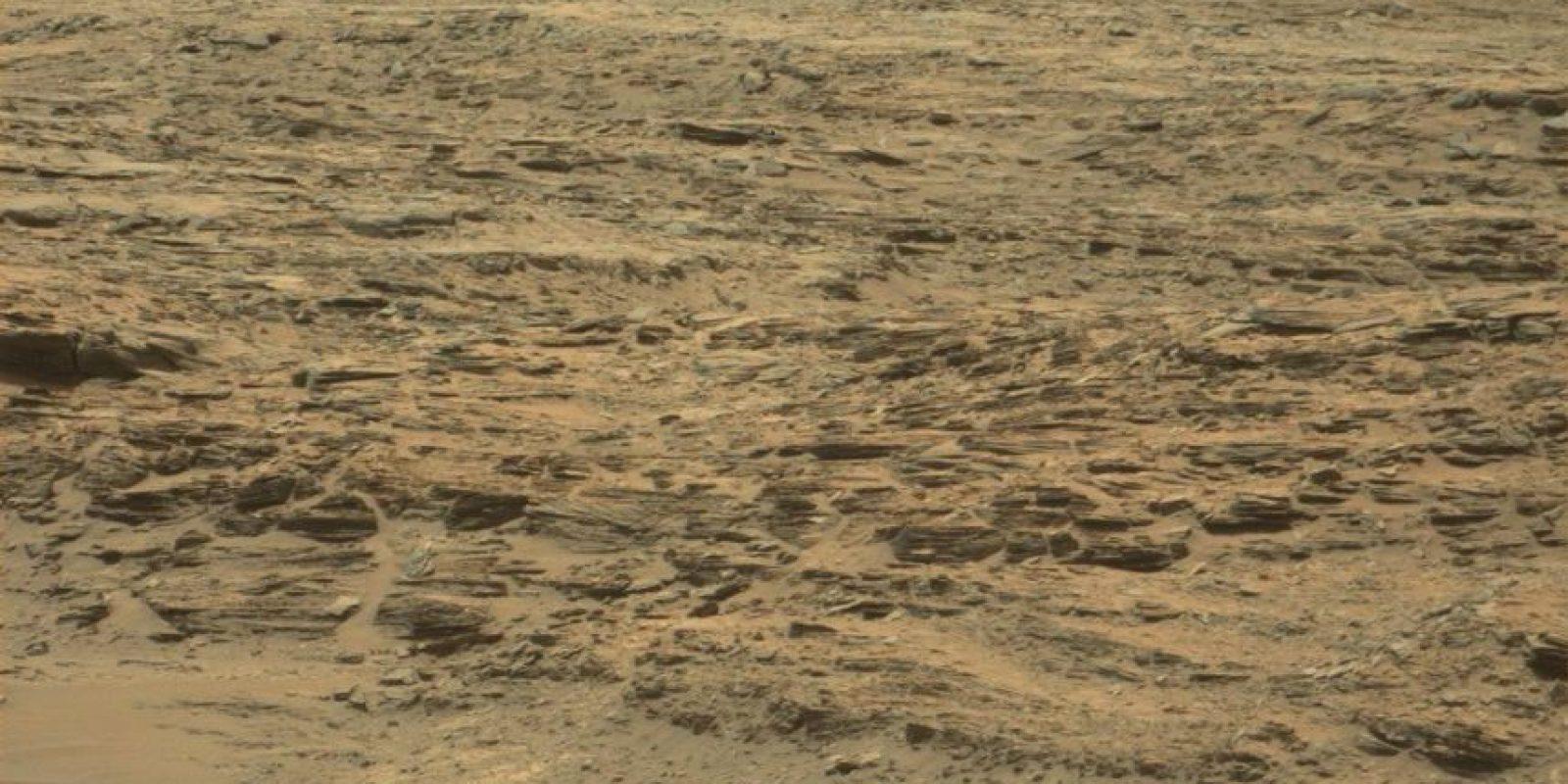 Foto:Imagen original en http://mars.jpl.nasa.gov/msl-raw-images/msss/01074/mcam/1074MR0047260040600095E01_DXXX.jpg