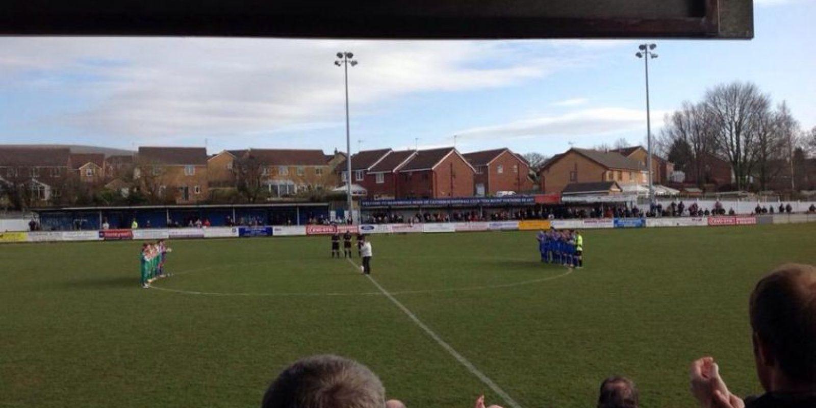 """Ganaron su primer trofeo de importancia en 1893, la """"Lancashire Junior Cup"""". Foto:Vía facebook.com/pages/Clitheroe-Football-Club"""