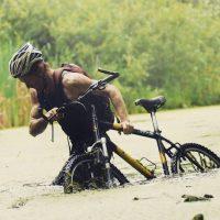 """Sobre su viaje en bicicleta comenta: """"No sabía nada de ciclismo, pero decidí hacerlo"""" Foto:Instagram.com/conway_sean"""
