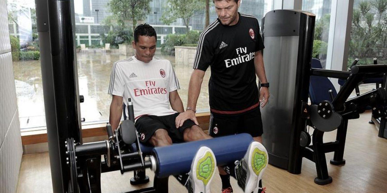 AC Milán le pagó al Sevilla 30 millones de euros por el delantero colombiano. Foto:acmilan.com