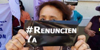 Feministas protestan frente al Congreso y exigen que no hayan elecciones