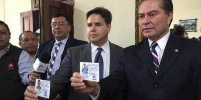 Binomio presidencial de UCN recibe sus credenciales