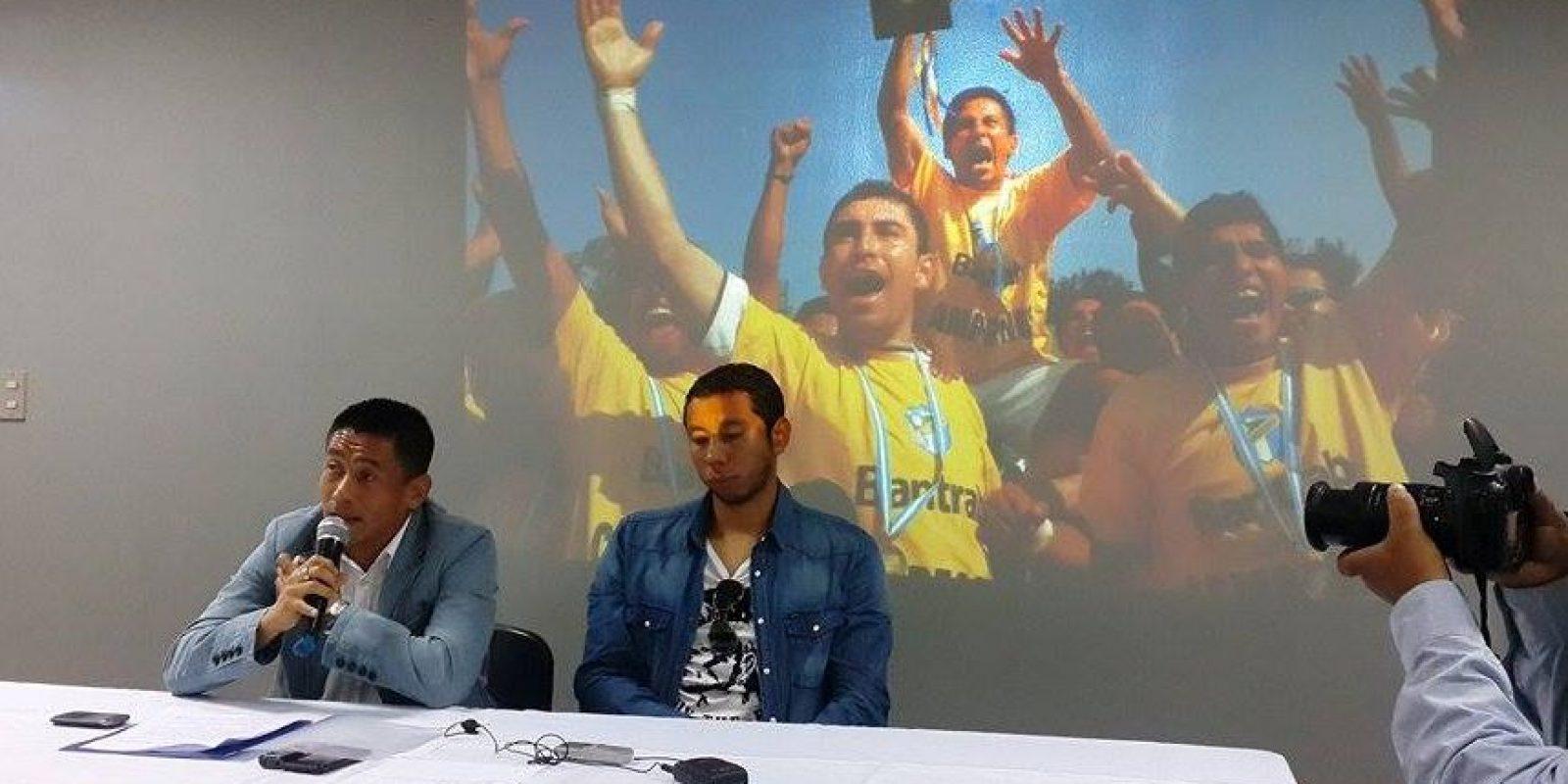 El hondureño de origen anunció hoy su retiro del futbol profesional en una conferencia de prensa. Foto:Reina Damián
