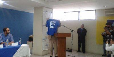 """Esta """"camisola"""" recibirán los aficionados en el partido Guatemala-Bermudas"""