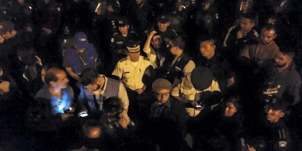 FOTOS. PNC intercepta autobús con manifestantes en el periférico