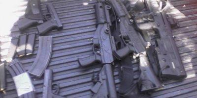 Capturan a seis mexicanos con este armamento en Huehutenango