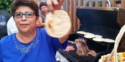 #Toronto2015 Así se hacen las tortillas y los churrascos guatemaltecos en Canadá