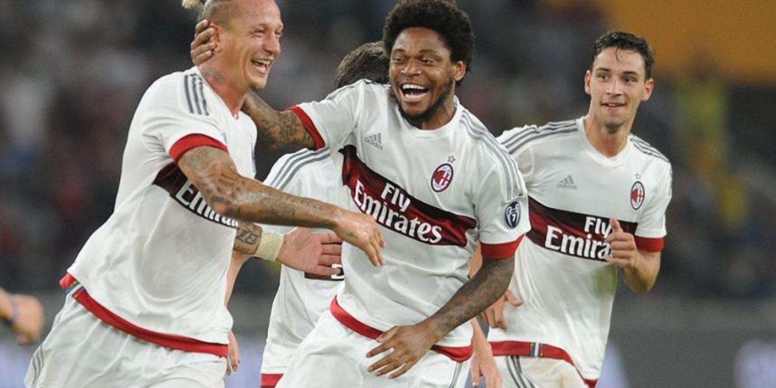 Esto en el partido entre AC Milán e Inter en China, como parte de la International Champions Cup. Foto:Vía facebook.com
