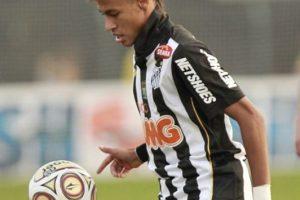 Comenzó 2011 con un valor de 18 millones de euros y tras ganar la Copa Libertadores con Santos, su carta se elevó a 30 millones. Foto:Getty Images