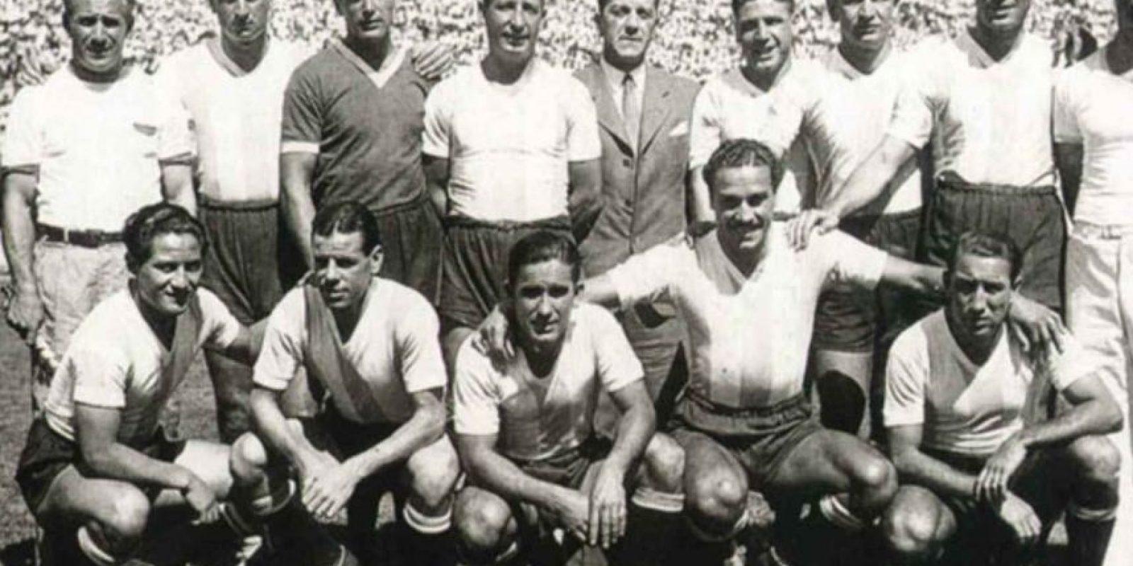 De 1940 a 1950 no hubo cambios drásticos en los uniformes.