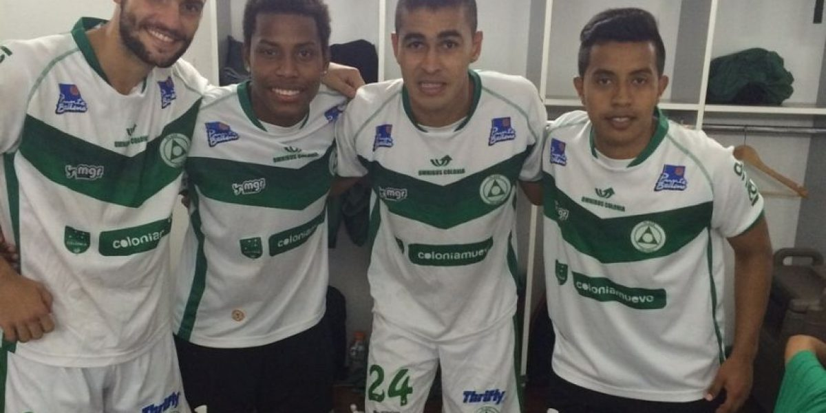 Futbolistas guatemaltecos logran histórico ascenso con equipo de Uruguay