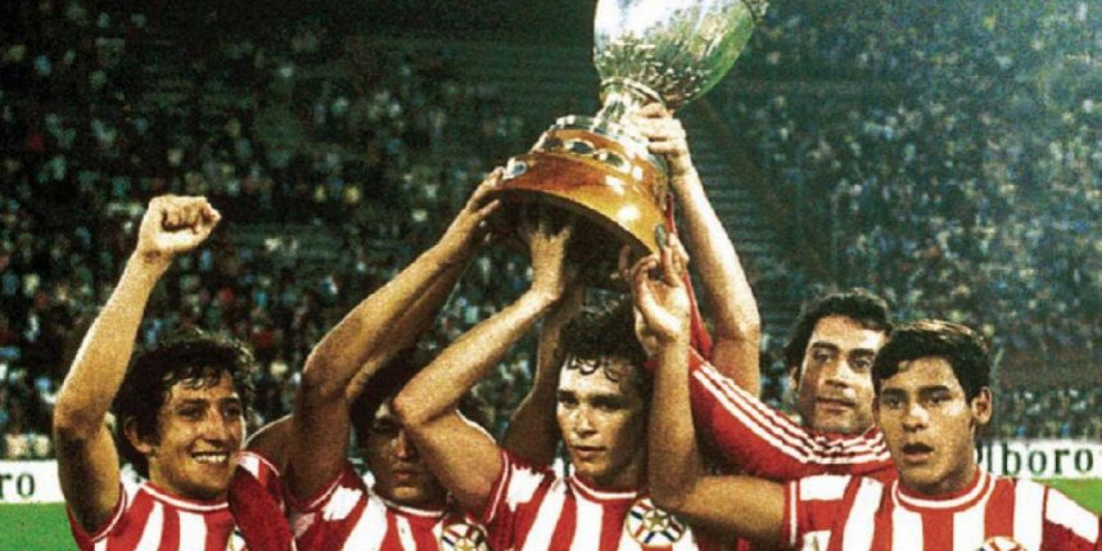 Los uniformes tenían mejores diseños en los setenta. Aquí Paraguay, campeón en 1979.