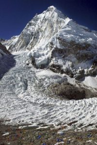 Monte Everest tiene una altua de ocho mil 848 metros. Foto:Getty Images
