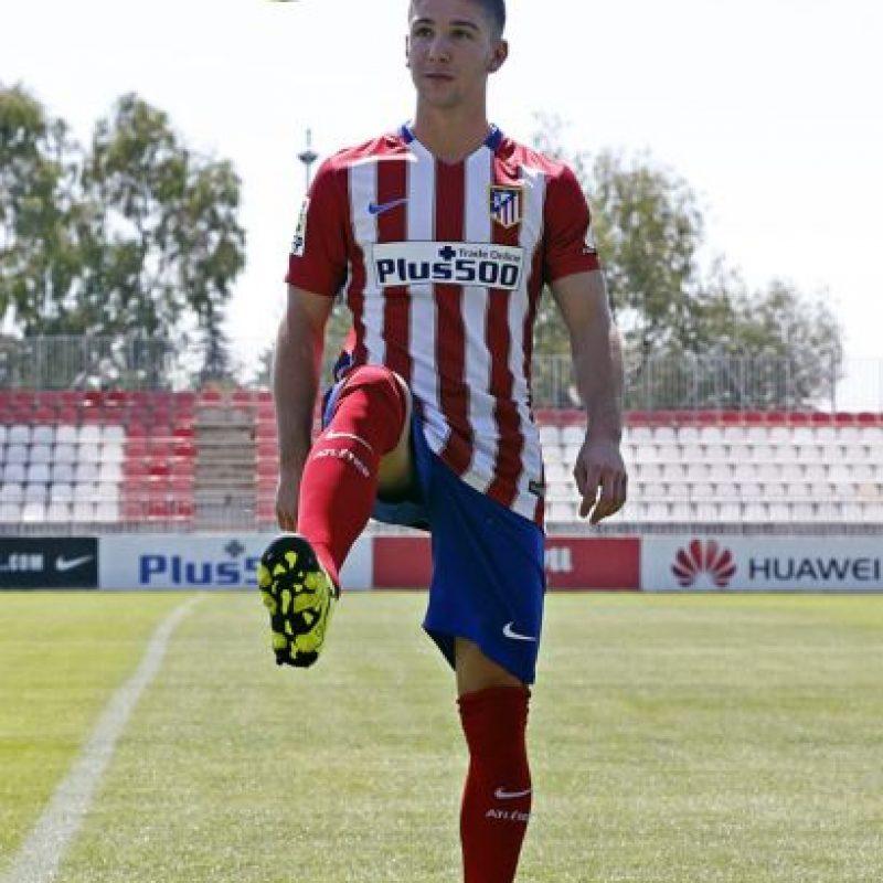 El delantero argentino llegó de Villarreal al Atlético de Madrid por 20 millones de euros. Foto:Vía twitter.com/Atleti