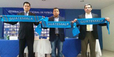 También estuvieron presentes Renato Durán, secretario administrativo de la Fedefut, y Guillermo Pivaral, secretario general de la Fedefut. Foto:Fernando Ruiz