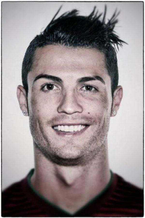 Cristiano Ronaldo es un hombre de negocios. El astro portugués sabe manejar su fortuna y la invierte en varios proyectos empresariales. Foto:Getty Images