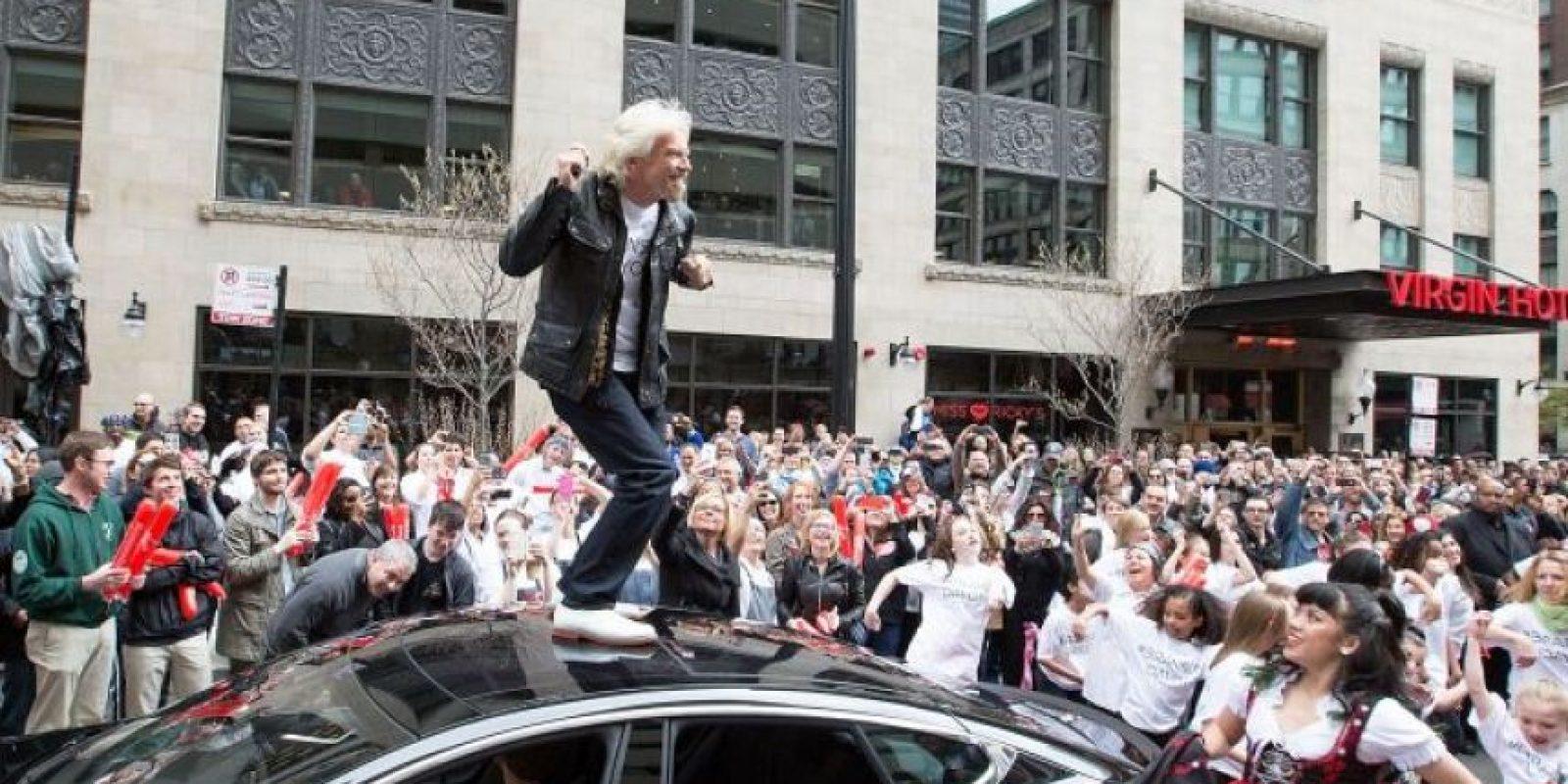 Branson tiene una fortuna de cinco mil 100 millones de dólares. Foto:vía Getty Images
