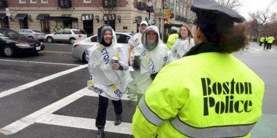 Mucho de los espectadores fueron revisados por la policía. Foto:Getty Images