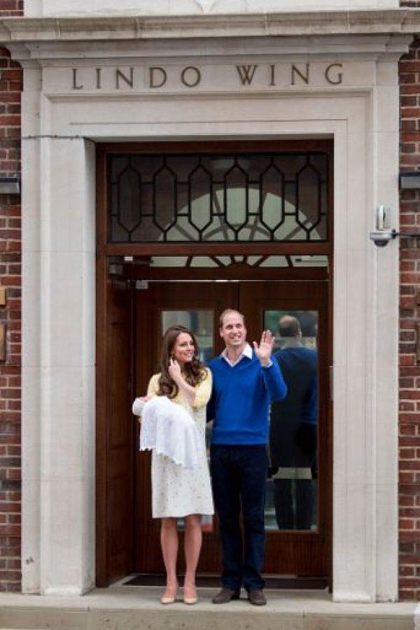 El anuncio del segundo embarazo de la duquesa de Cambridge se dio el 8 de septiembre de 2014. Foto:Getty Images