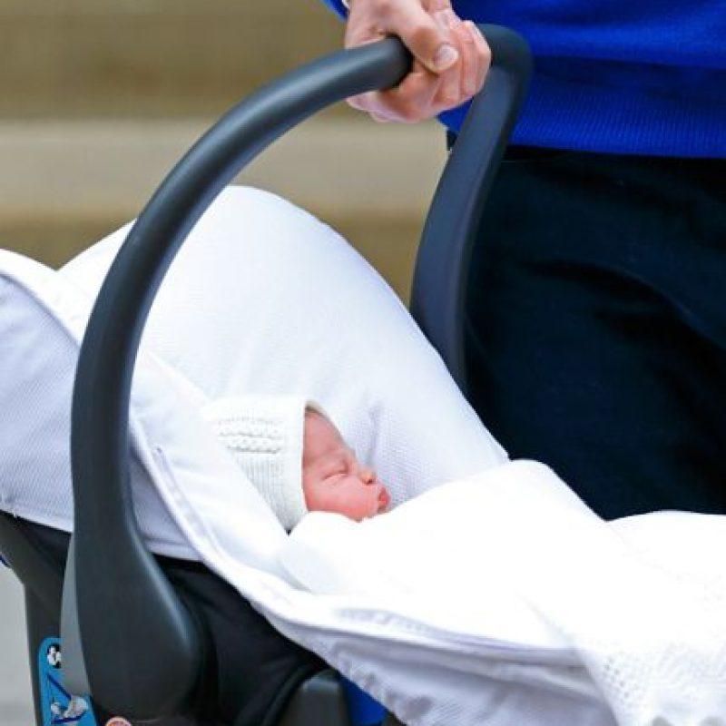 Es la cuarta en la línea de sucesión al trono británico tras su abuelo, el Príncipe Carlos de Gales, su padre, el Príncipe Guillermo y su hermano, el Príncipe George. Foto:Getty Images
