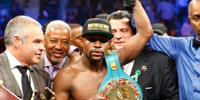 Los tres jueces lo vieron ganar Foto:Getty Images