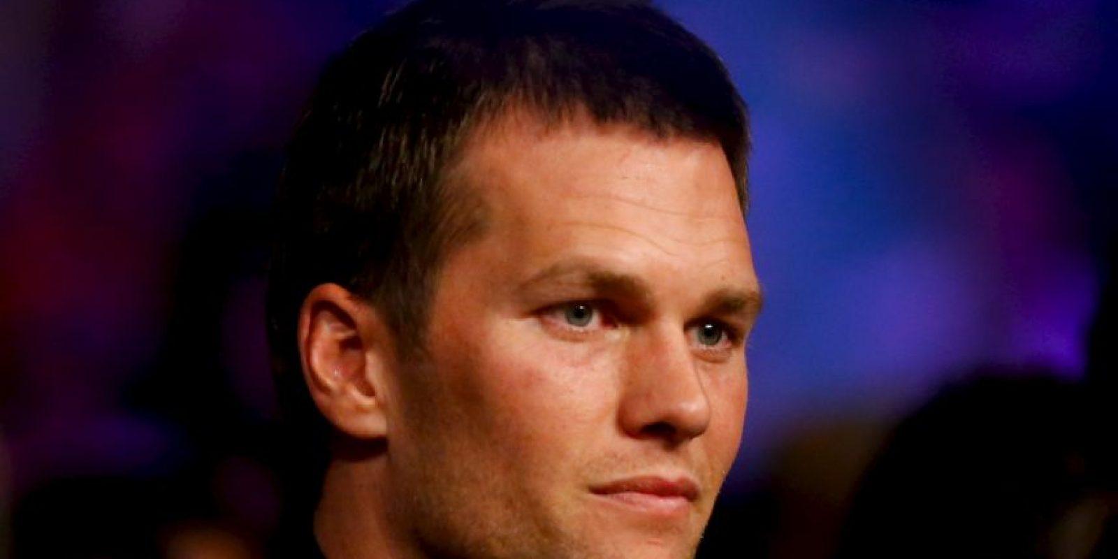 El mariscal de campo de los Patriotas de Nueva Inglaterra, Tom Brady, también apoyó a Mayweather Foto:Getty Images