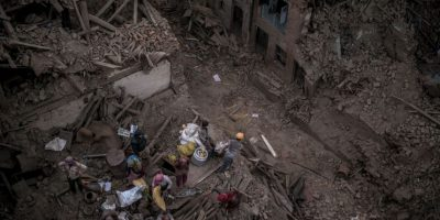 Tras el desastre, la población de Nepal comenzó a sufrir por sus miles de muertos, hogares destruidos y falta de alimentos. Foto:Getty Images