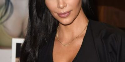Kim Kardashian pide disculpas por falta ortográfica