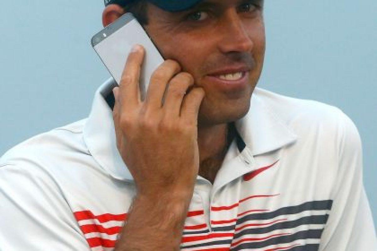 """Realizar una llamada logrará que les contesten rápidamente y no sufran mientras aparece la leyenda de """"escribiendo"""". Foto:Getty Images"""