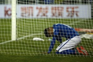 El crack brasileño la pasó muy mal en el partido. Foto:Getty Images