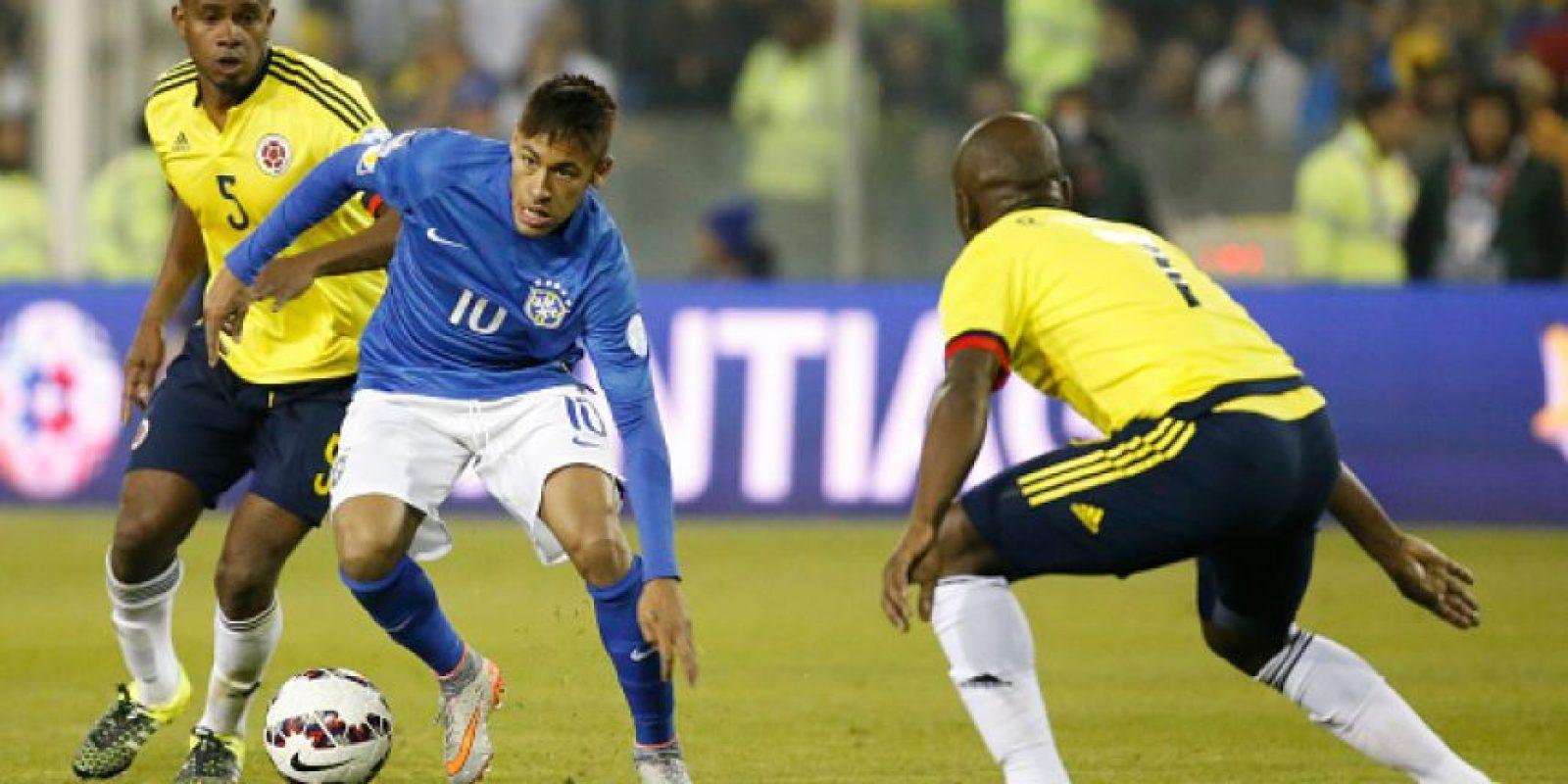 El árbitro chileno Enrique Osses expulsó al brasileño cuando ya había finalizado el partido.. Foto:Getty Images
