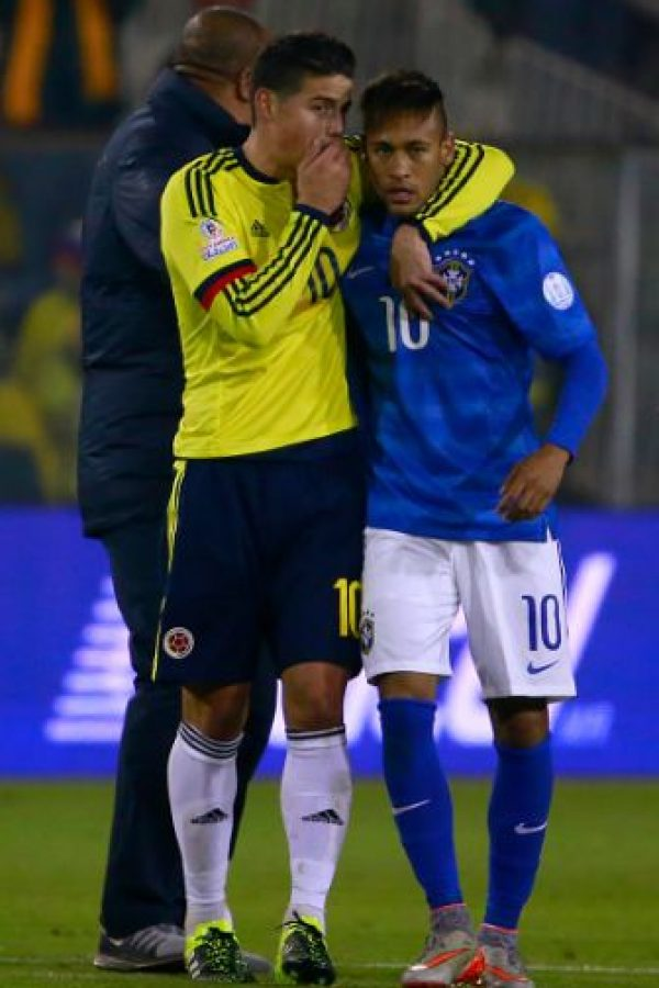 Incluso James Rodríguez se acercó a él para pedirle que se calmara. Foto: Getty Images