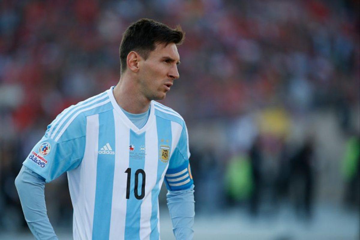 """La """"Albiceleste"""" estrenó camiseta para la Copa América, la cual tiene un costo de 90 dólares. Foto:Getty Images"""