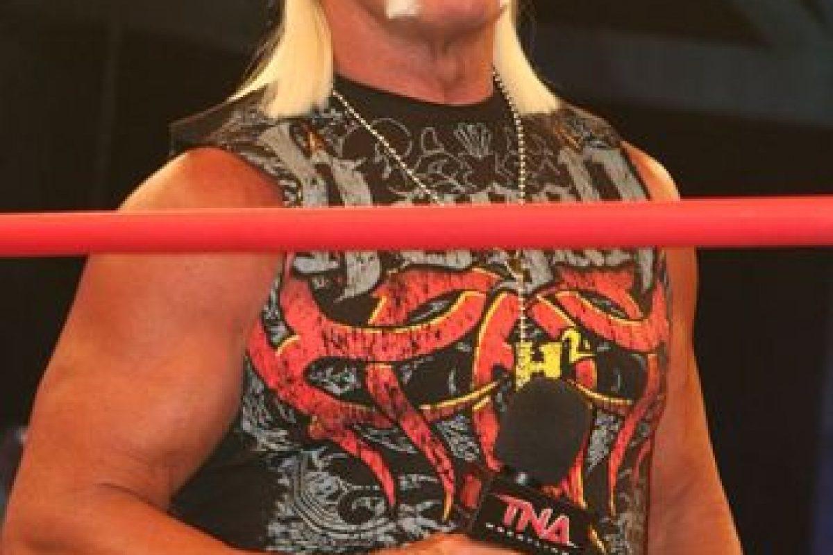Fue campeón mundial de la WWE en 12 ocasiones y una por parejas, al lado de Edge. Foto:Wikimedia