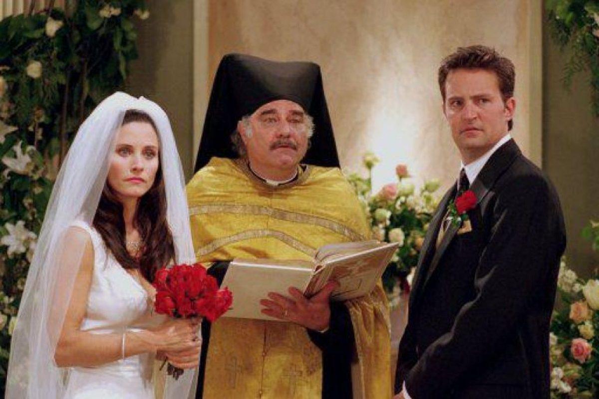 """Incluso, el público fue testigo de su boda con """"Mónica"""" (Courtney Cox). Foto:vía facebook.com/friends.tv"""
