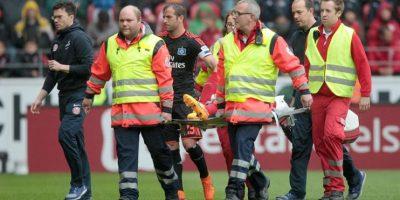 El colombiano sufrió una lesión muy fuerte en el partido de su equipo contra el Hamburgo. Foto:EFE