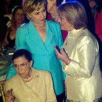 Michelle Bachelet y Hillary Clinton (2006) Foto: Getty Images