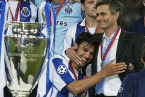 """También llevó a los """"Dragones"""" a brillar en terreno internacional al ganar Europa League de 2003 y la Champions League de 2004. Foto:Getty Images"""