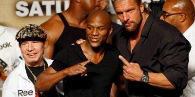 El luchador Triple H también celebró el triunfo de Floyd Foto:Getty Images