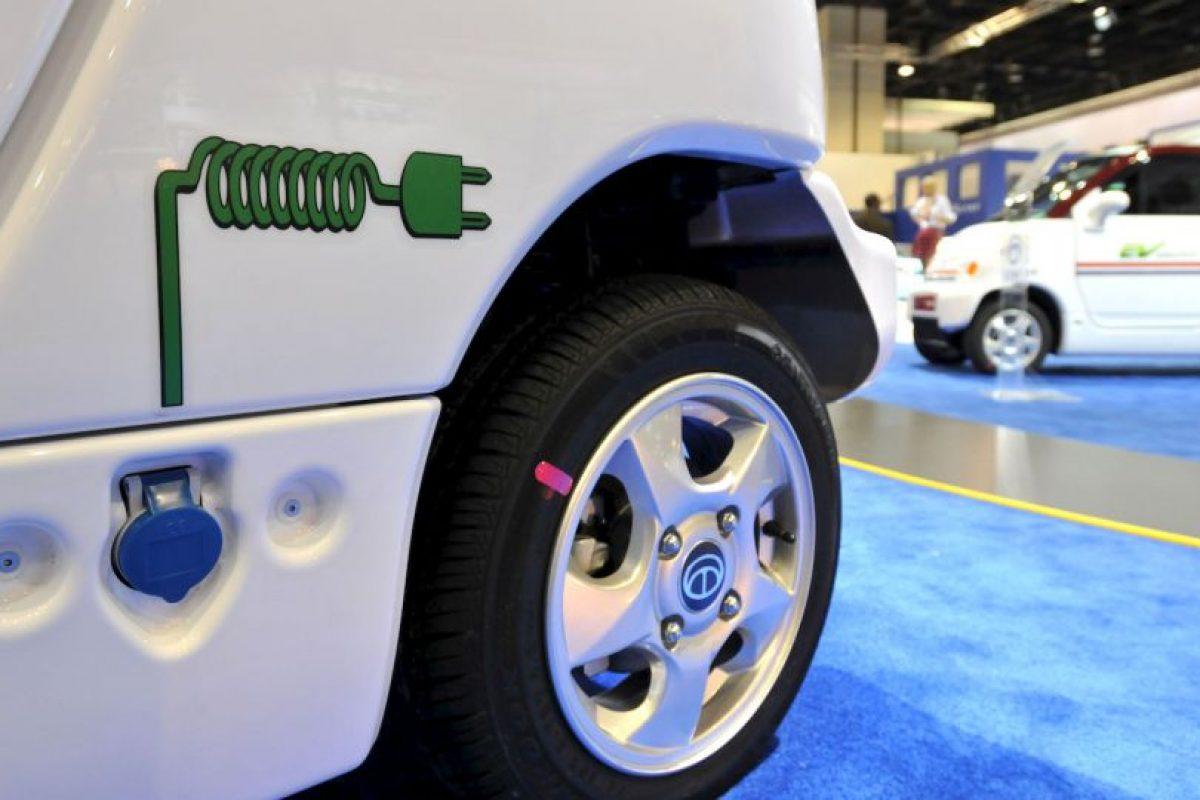 La velocidad de un automóvil eléctrico es mejor a la de uno ordinario. Sin embargo, un vehículo llegó a los 106 kilómetros por hora en octubre pasado Foto:Getty Images