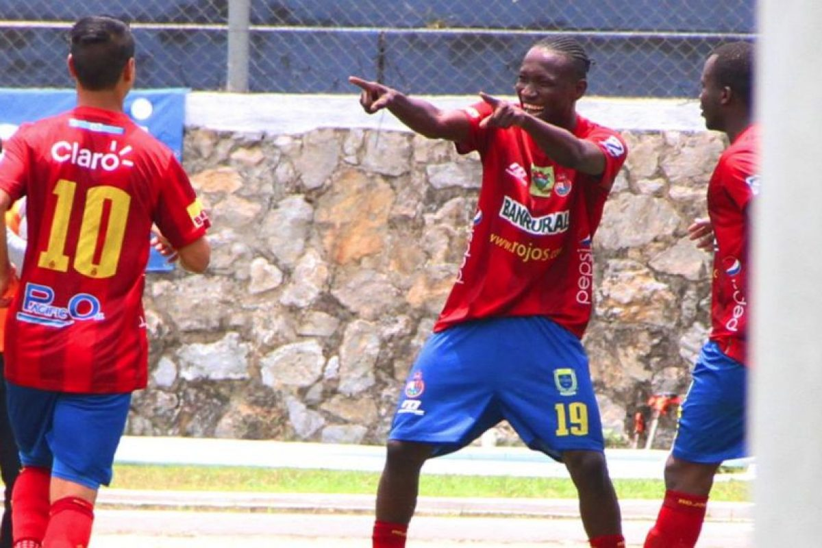 Cremas y rojos parten otra vez como los favoritos para quedarse con el cetro de la Liga Nacional. Foto:Publinews